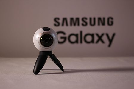 Samsung_Gear_360_camera